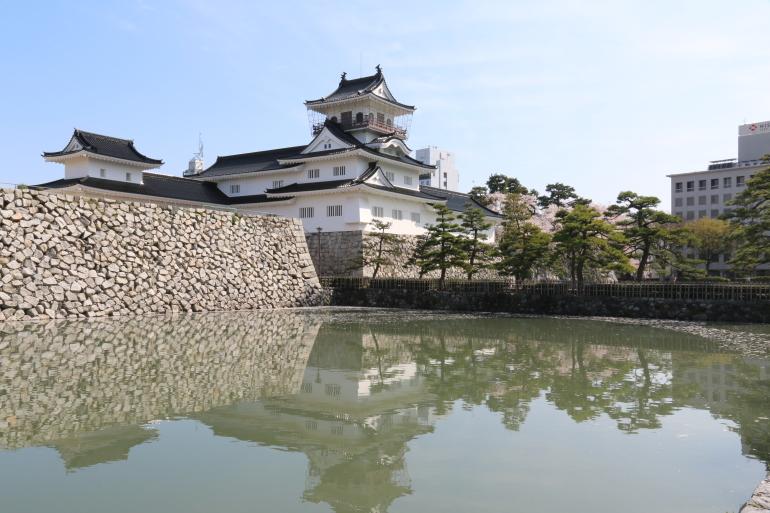 富山城、水堀、城壁