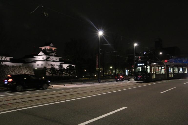 富山城、ライトアップ、セントラム、路面電車