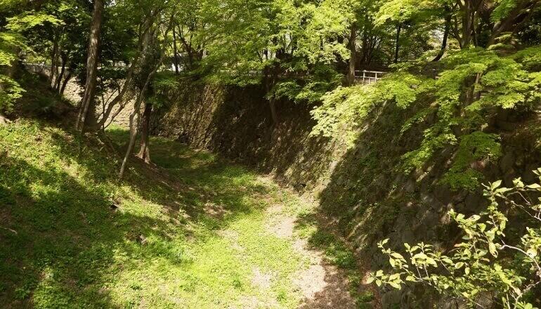 岡崎城、石垣、本丸、空堀
