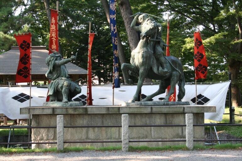 松代城、川中島古戦城、信玄、謙信、一騎討像