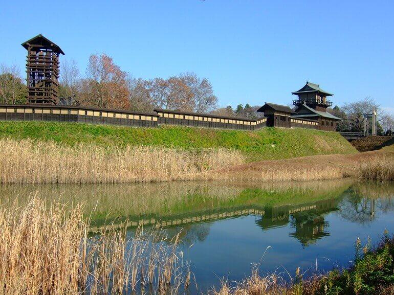 逆井城、井楼櫓、土塀