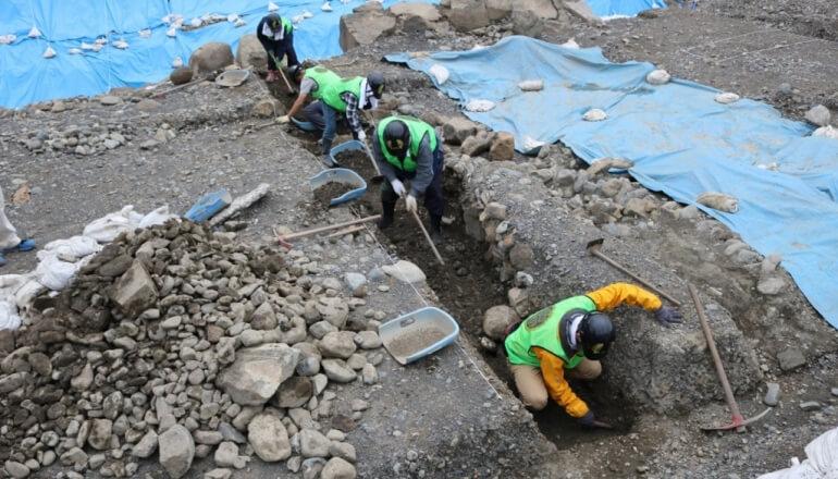 駿府城、発掘作業、トレンチ