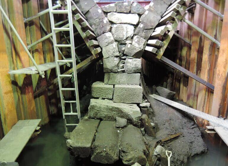 江戸城、橋脚下部、解体