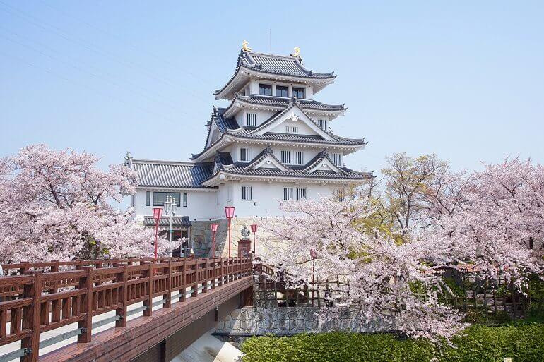 墨俣城、桜、天守