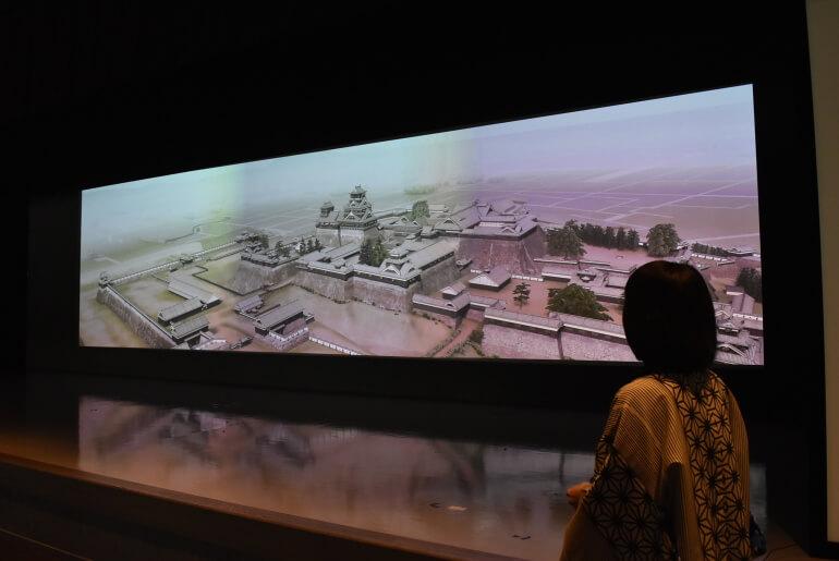 熊本城ミュージアムわくわく座、館内スタッフ、解説