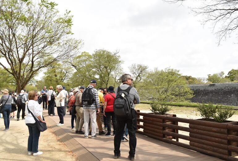熊本城、見学k通路、木の柵