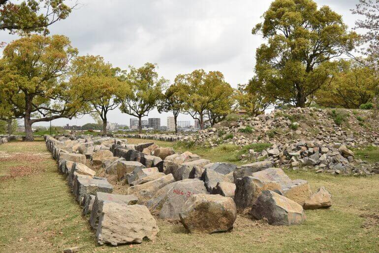 熊本城、石垣、仮置き場