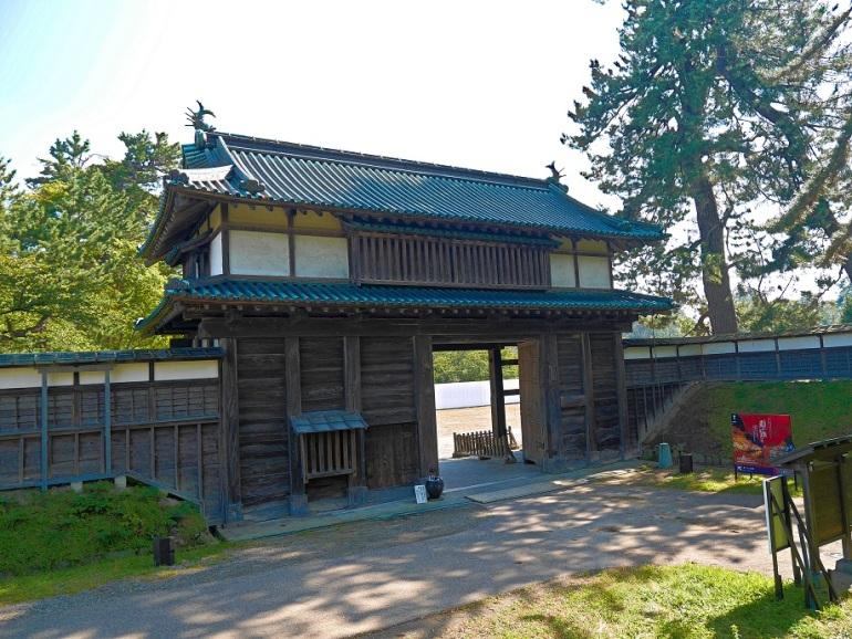 弘前城、亀甲門