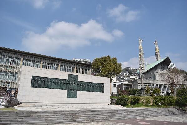 ブロンズ像、二十六聖人記念館、外国人宣教師、日本人信徒