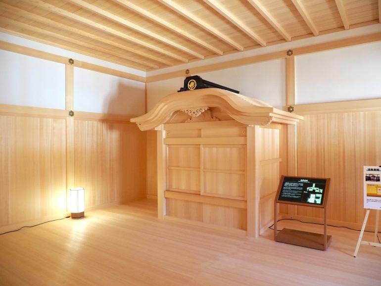 名古屋城、蒸し風呂、唐破風付きの建物