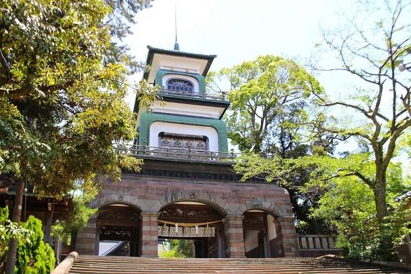 尾山神社、金沢、国指定重量文化財、神門、ステンドグラス