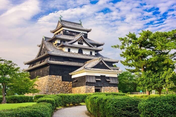 松江城、天守、戦闘特化型天守、下見板張り、鉄砲狭間、