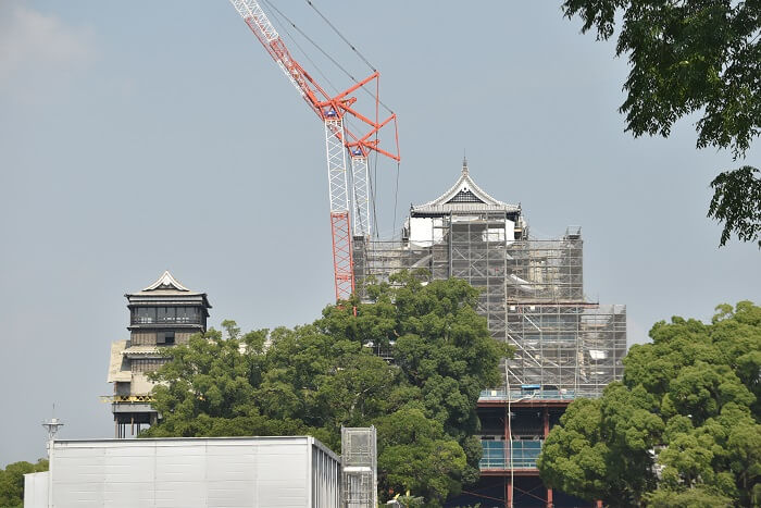 熊本城、二の丸広場、大天守、しゃちほこ、小天守