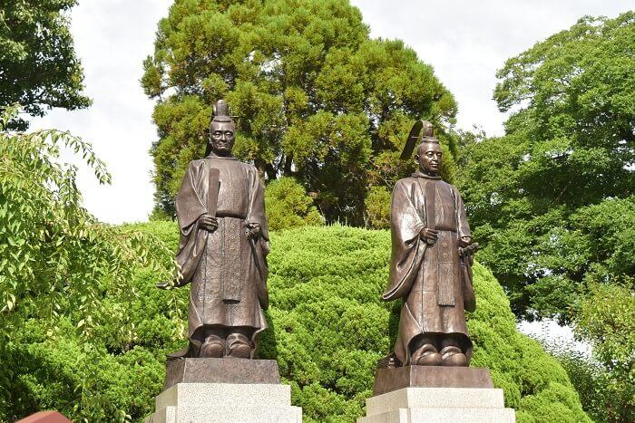 細川忠利公銅像、細川藤孝公銅像、出水神社