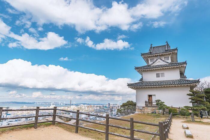 丸亀城、瀬戸内海