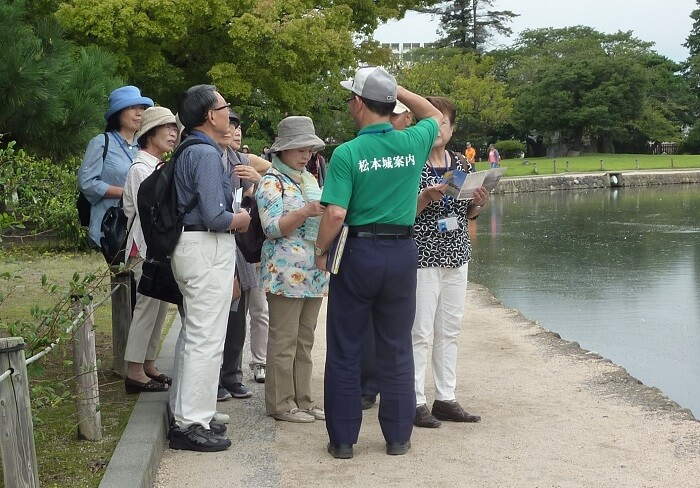 松本城、ガイド、ボランティア