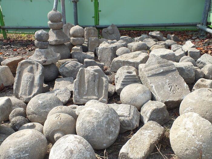 大和郡山城、天守台、転用石、逆さ地蔵、五輪塔