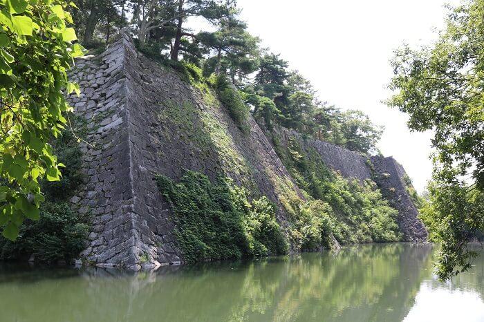 伊賀上野城、本丸西面、石垣
