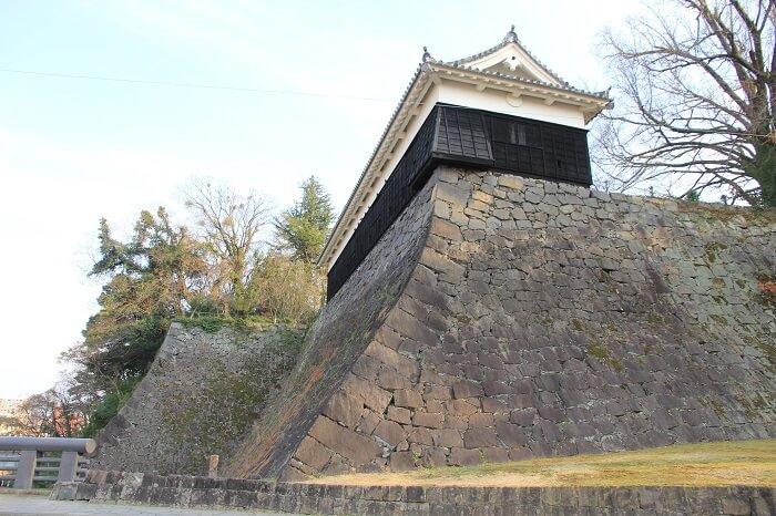 高石垣、熊本城監物櫓、扇の勾配