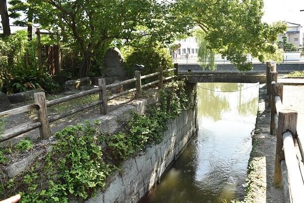柳川、水門、石積み、城下町