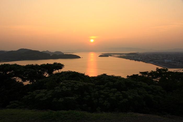 米子城、中海、夕焼け