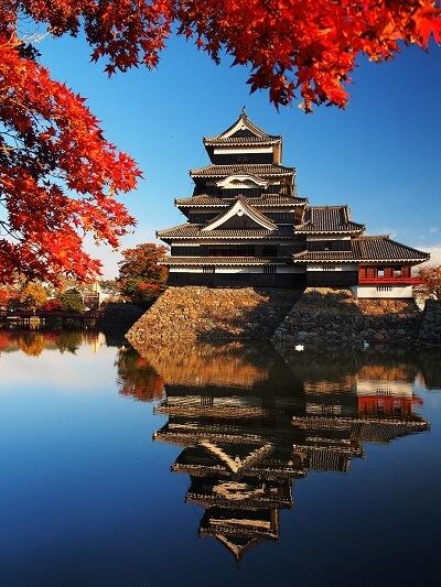 松本城、紅葉、天守、月見櫓