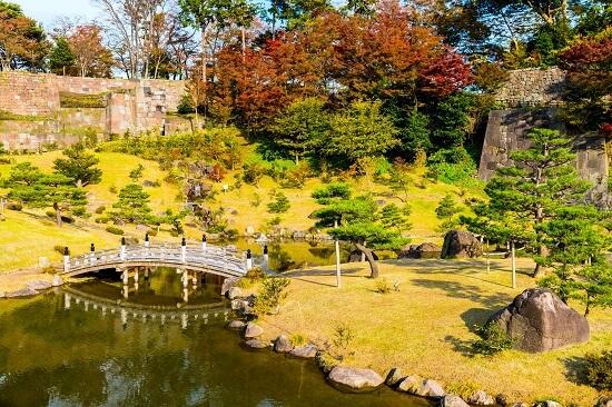 金沢城、玉泉院丸、紅葉、池、橋