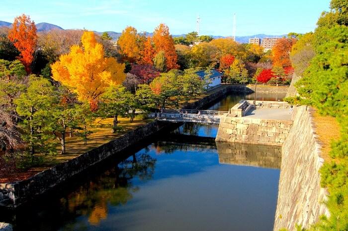 二条城、天守台、紅葉、水堀