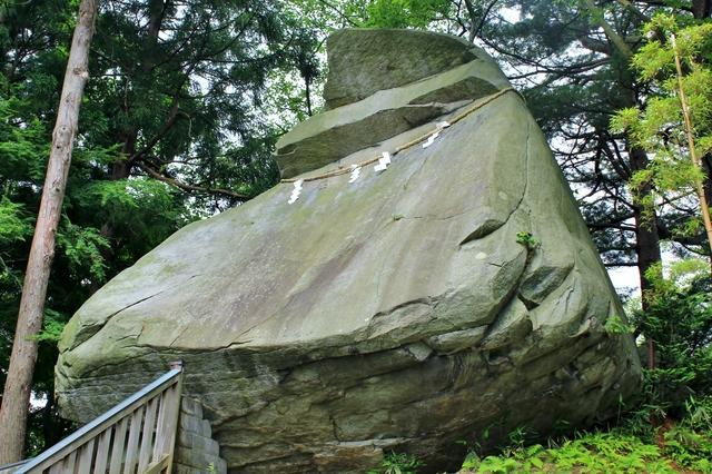 烏帽子岩、盛岡城