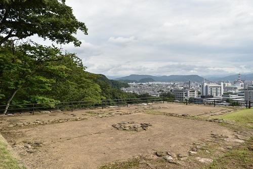 鳥取城、武具蔵、三階櫓跡