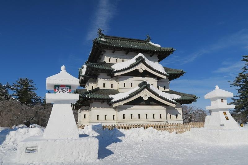 弘前城、雪灯籠