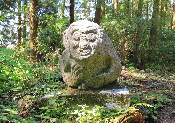 高取城、猿石