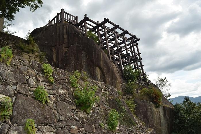 苗木城、懸造、天守台