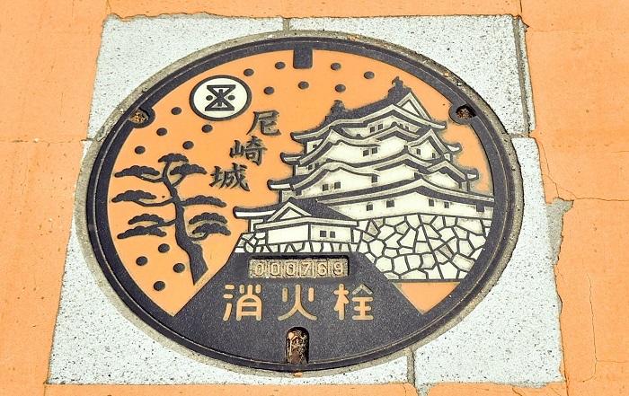 尼崎城、マンホール