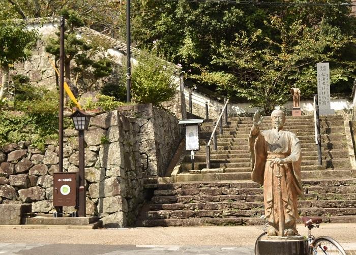 平戸城、松浦史料博物館、王直、像