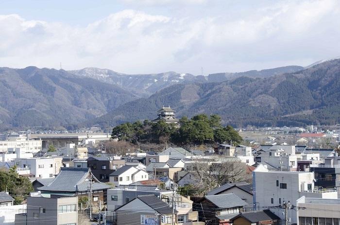 丸岡城遠景