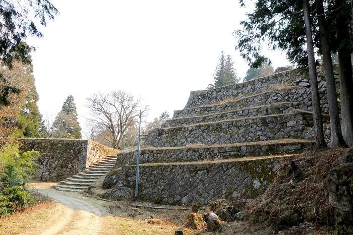 岩村城、六段壁、石垣