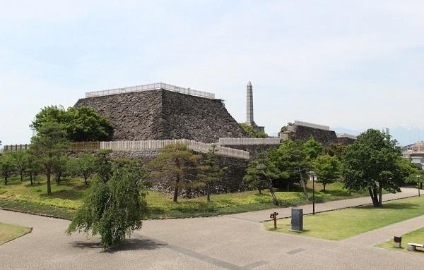 甲府城、石垣