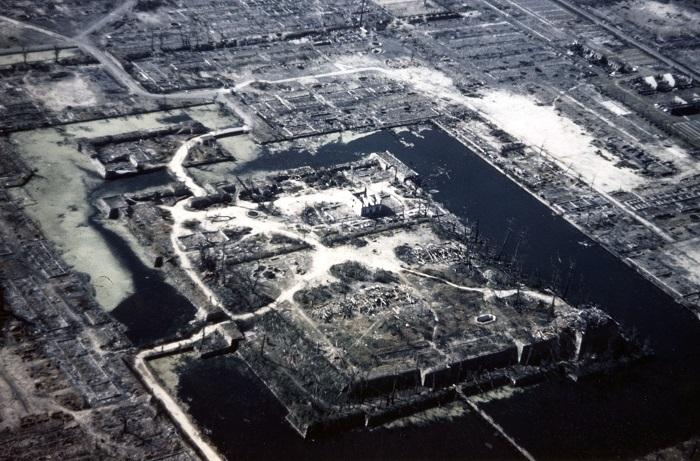 すべての建造物が倒壊した広島城