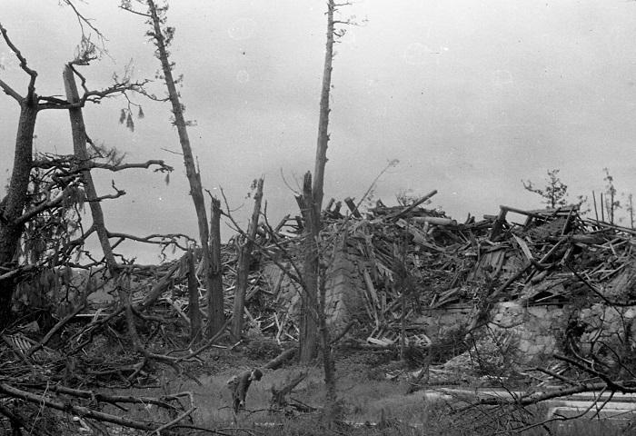 原爆投下後の広島城天守台