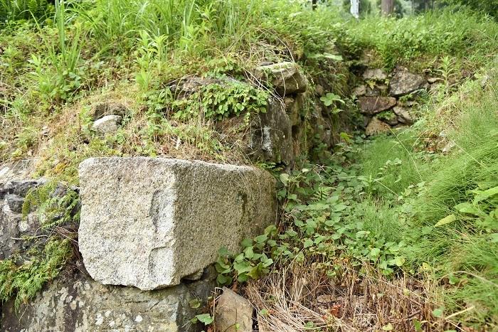 城主居館跡、石垣