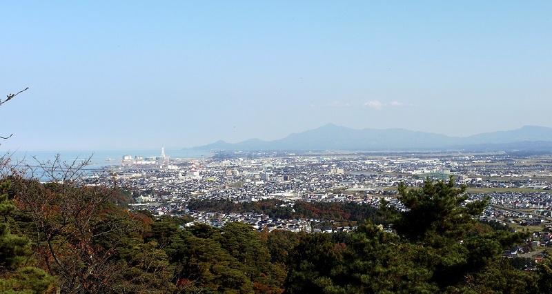 春日山城本丸、景観