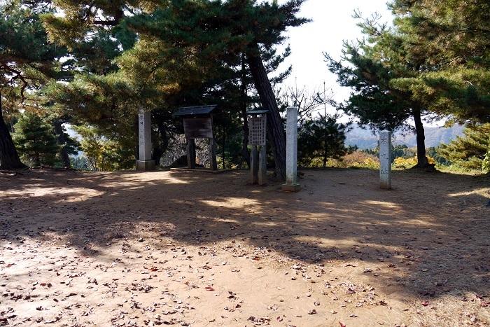 春日山城本丸跡