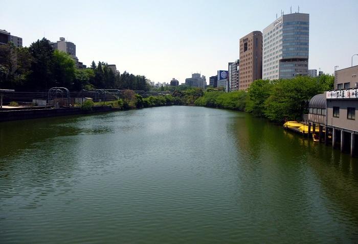 惣構堀、市ヶ谷駅