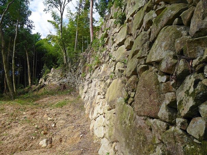 観音寺城伝御屋形の石垣