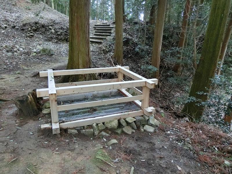 吉田郡山城、釣井の壇