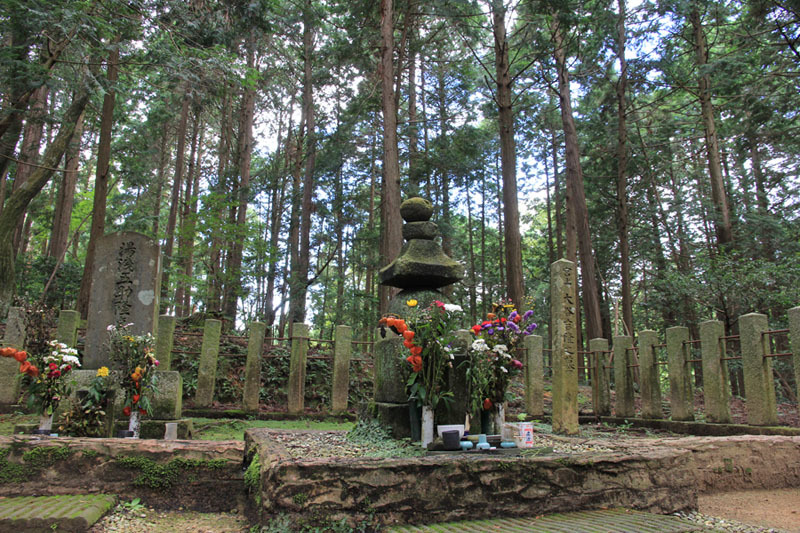 関ヶ原古戦場、大谷吉継墓所