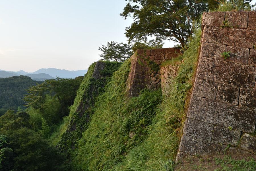 岡城、高石垣