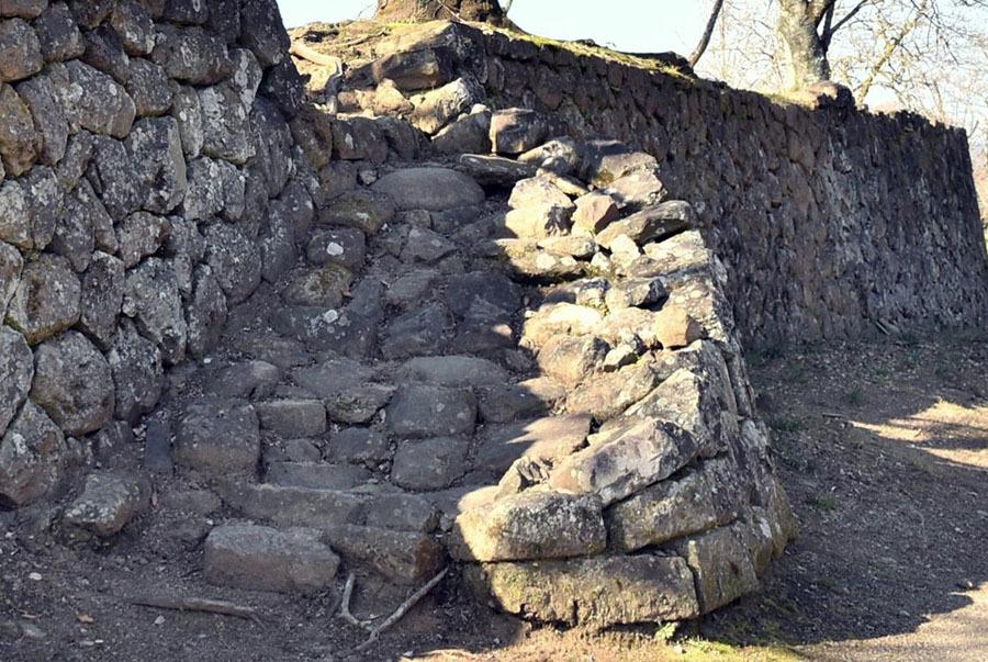 岡城、太鼓櫓跡の石垣