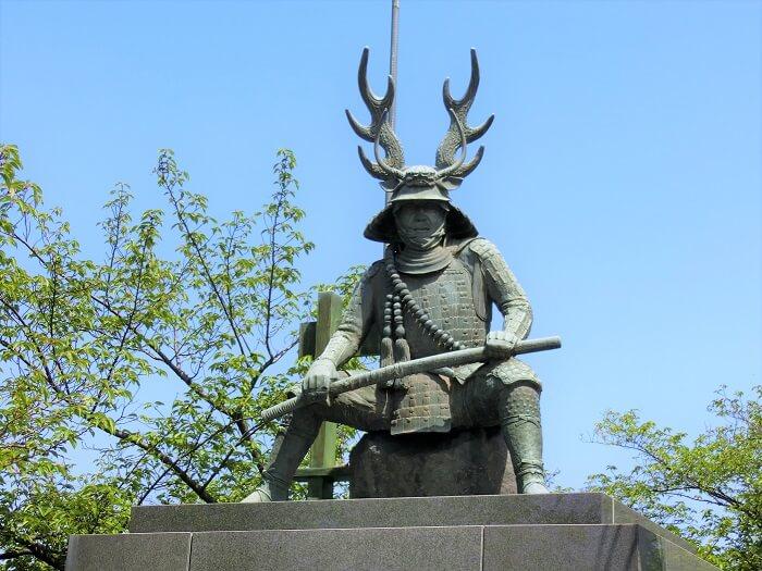 桑名城跡、九華公園、本多忠勝像